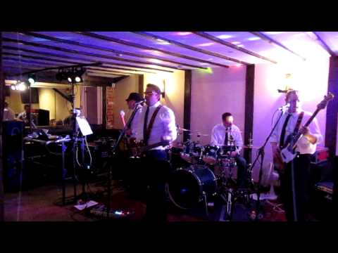 The Dulcet Tones Live At Elm Farm Country House