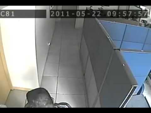ACTUAL ROBBERY IN QUEZON CITY SUSPECT AT LARGE