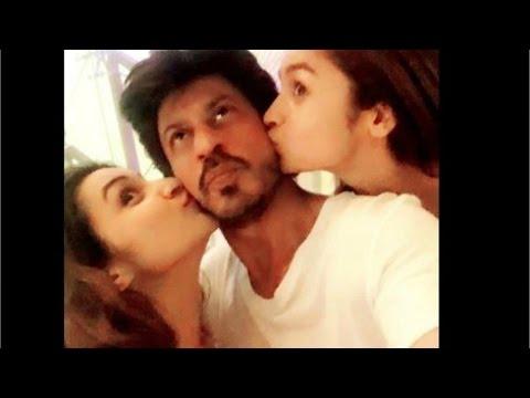 Parineeti Chopra & Alia Bhatt Just Kissed Shahrukh Khan, When AbRam Was Asleep!