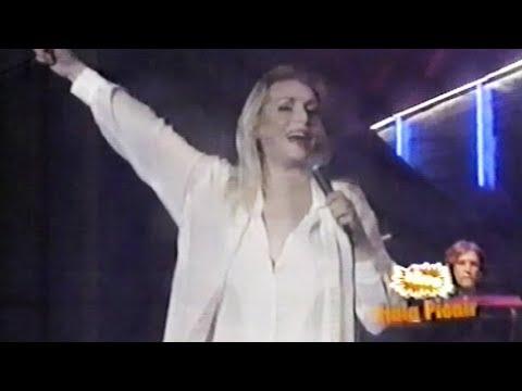 Vesna Zmijanac - Idem Preko Zemlje Srbije - LIVE - (Hala Pionir 1995)