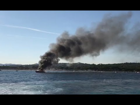 Yacht on fire in the Golfe of Saint Tropez