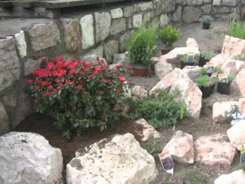 Creazione giardino roccioso youtube for Bordure per aiuole fai da te