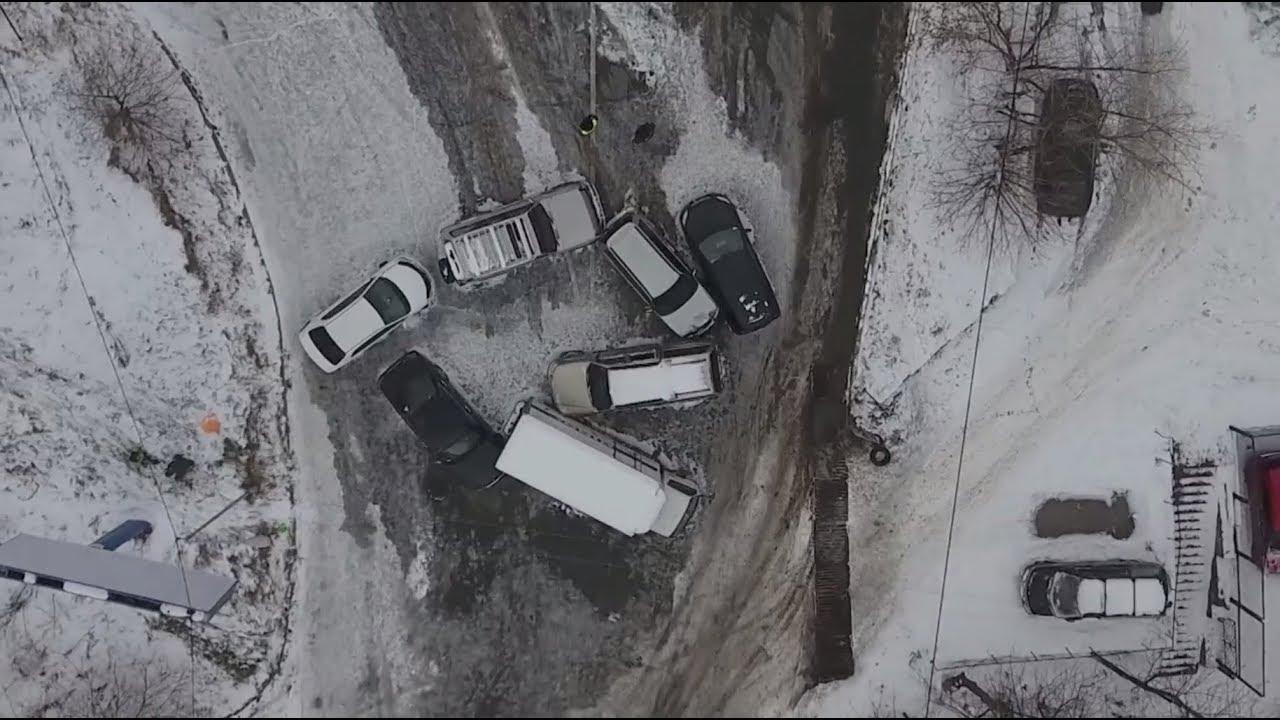 Беспилотник заснял транспортный коллапс во Владивостоке после снегопада