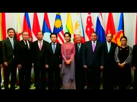 Myanmar agrees to let humanitarian assistance into Rakhine State