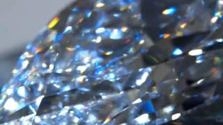Làm cách nào phân biệt được kim cương thật và kim cương giả? - Cắt viên kim cương khổng lồ