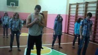 Флешмоб Бахмацької ЗОШ № 2 Ми танцюємо на всі свята в школі!!!!