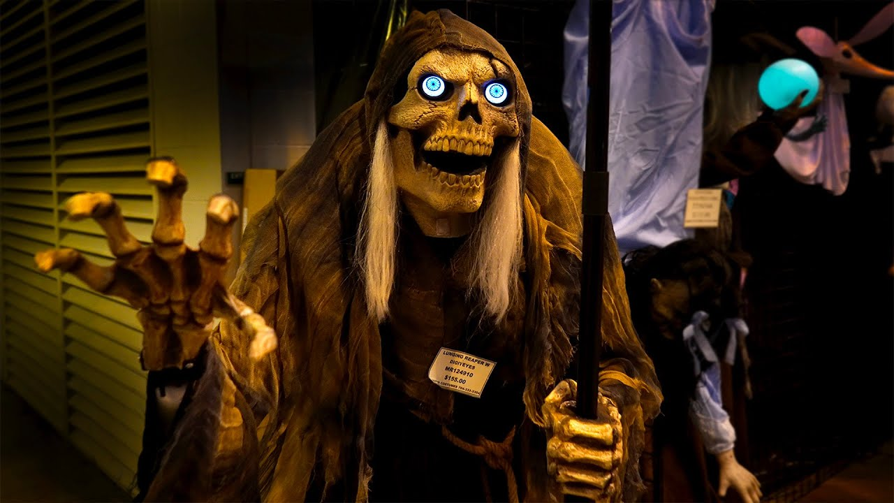 Halloween Props and Decorations at Transworld 2021 | Morris Costumes