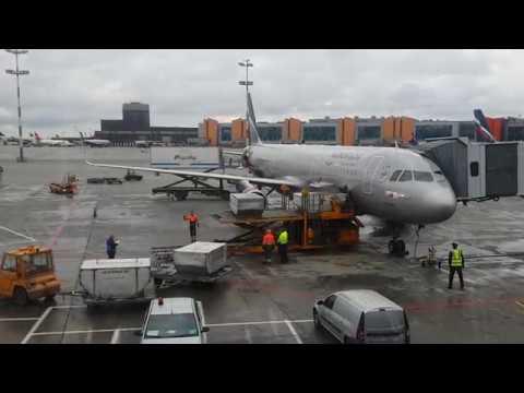 Аэропорт Шереметьево. Работа аэропорта. Посадки и взлеты. Взлет самолета изнутри салона.