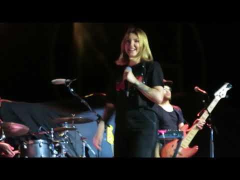Issues - Julia Michaels - Live In Barcelona 2018