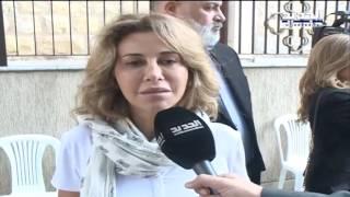 خلاف بين ابنة ملحم بركات وزوجته أثناء صلاة الجنازة .. فيديو
