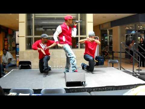 Jacob Latimore Performance At Livingston Mall Nj