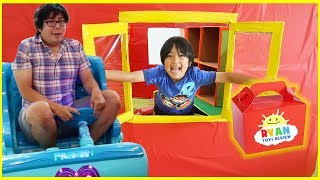 Ryan Pretend Play Drive Thru on Kids Power Wheels Ride on Car!!!