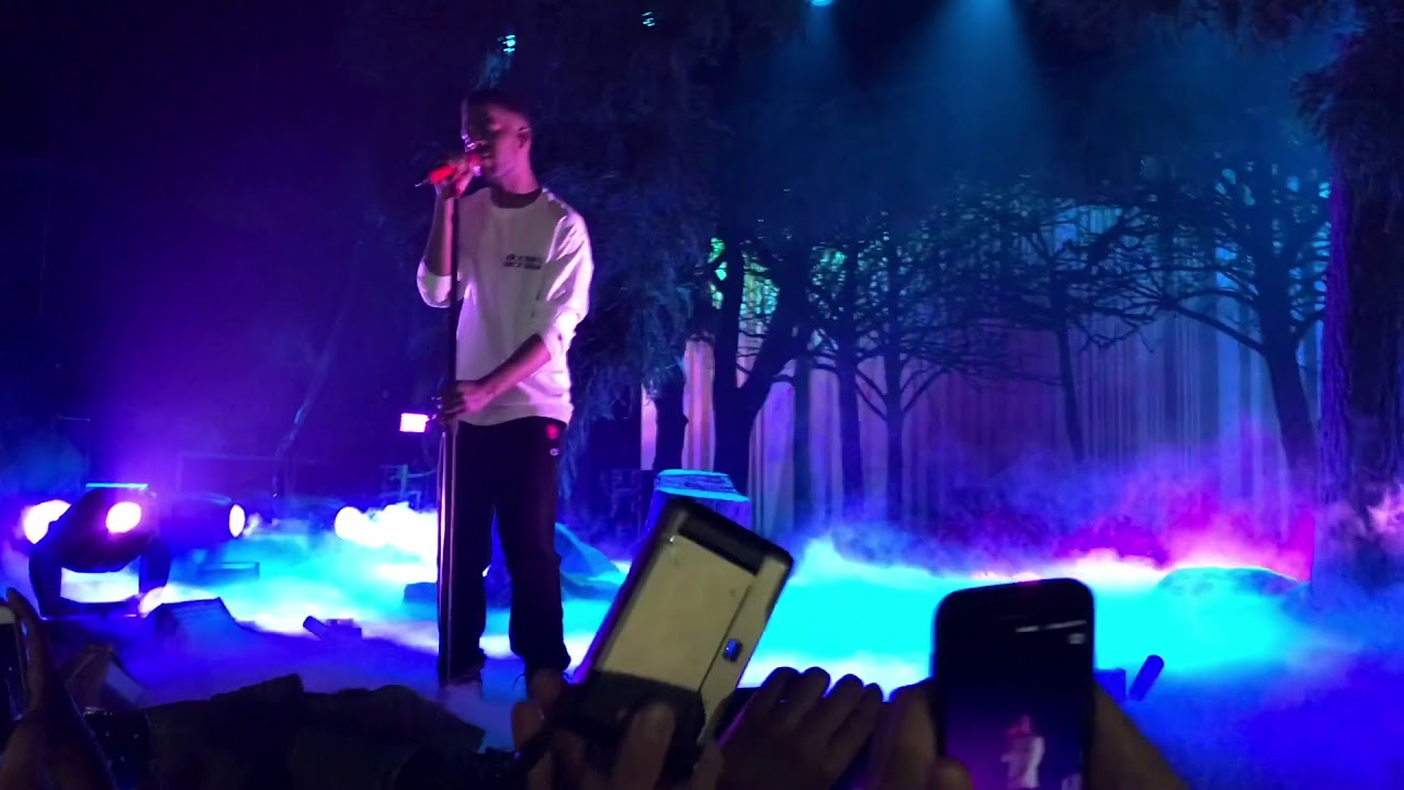 kid cudi live performance nov 2017 passion pain demon slayin tour youtube. Black Bedroom Furniture Sets. Home Design Ideas