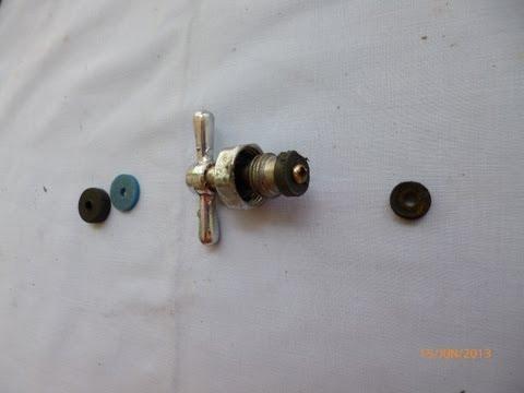 Montura de llave de paso empotrada con p rdida de agua for Montura llave de paso