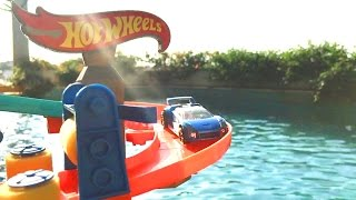 Awesome Hotwheels Double Loops Garage Jumping Track On Water!