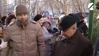 Почти на кулаках.Астраханцы выясняют отношения с ЖЭК -7