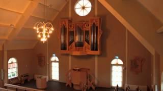 Lené de Graaf speelt de lofzang van Simeon  in de Bethelkerk te Sint Annaland.