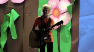 Maroon 5 Payphone by 10 yr old Carson Lueders at School Talent Show