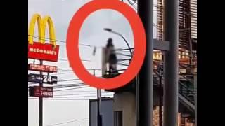 Video Sepasang ABG Pacaran Di Atas Motor Bikin Heboh, Gerakan Tangan Si Cowok Itu Loh