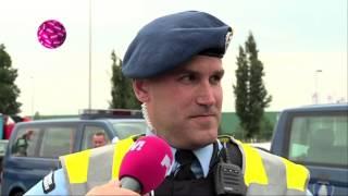 PowNews 21 mei 2014: Teeven houdt mensen aan bij grens