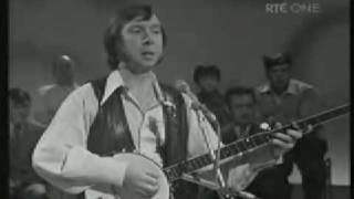 Irish Celtic Music - Come By The Hills -  Isle Of Inishfree - Tommy Makem