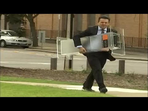 Nick Xenophon quits federal parliament to run in South Australia