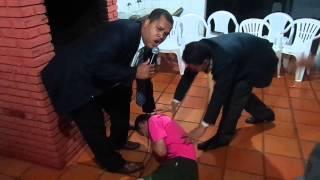 PASTOR VANDERSON TROVÃO. expulsa demônio  de Homossexual