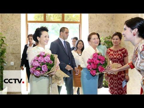 Супруга председателя КНР посетила институт Конфуция в Ташкенте