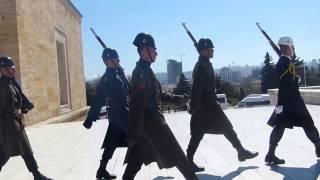 Anıtkabir'de Askerlerin Nöbet Değişimi      - 2-     (HD KALİTE)