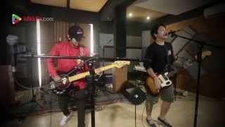 Video Pee Wee Gaskins - Sassy Girl - Klikklip download MP3, 3GP, MP4, WEBM, AVI, FLV Oktober 2017