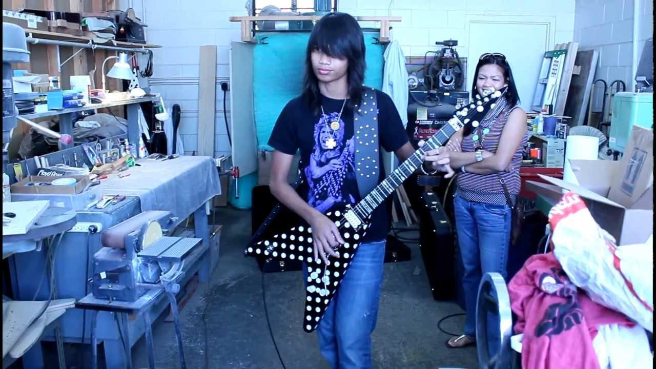 Karl Sandoval, Randy Rhoads Polka dot V - YouTube