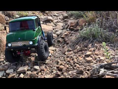 Unimog SCX10 RC Scale Crawler - Crawling Some Dirt.