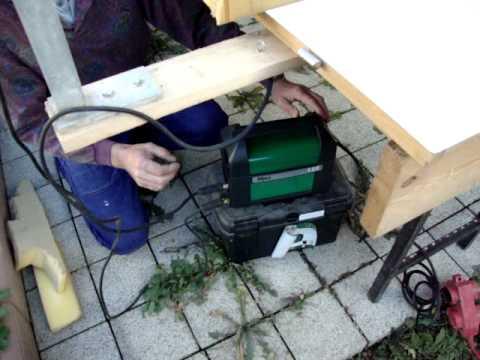kaltschaum styropor wird geschnitten mit hei em draht hot wire foam cutter hitzdraht youtube. Black Bedroom Furniture Sets. Home Design Ideas