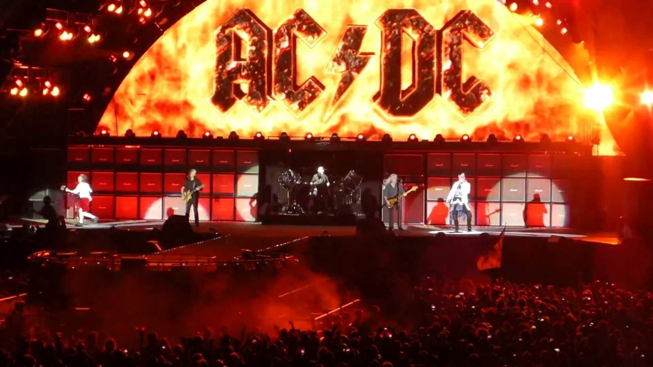 ac dc w axl rose highway to hell live in aarhus june 12th 2016 youtube. Black Bedroom Furniture Sets. Home Design Ideas