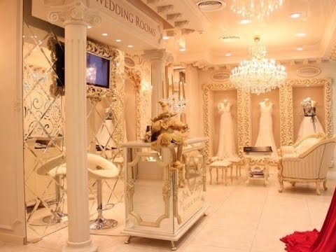 Каким должен быть продавец-консультант в свадебном салоне