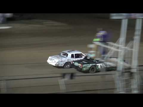 IMCA Hobby Stock feature Independence Motor Speedway 8/20/16