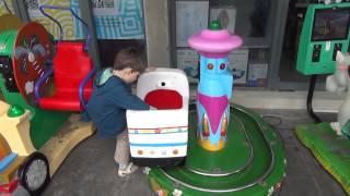 Дешевые детские аттракционы в Китае(Развлечения для детей до 5 лет. Дешево и весело., 2015-02-22T10:46:35.000Z)