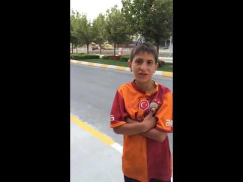 Sancaktepe'de  Çocuklar Tehlikeli Sularda Yüzüyorlar