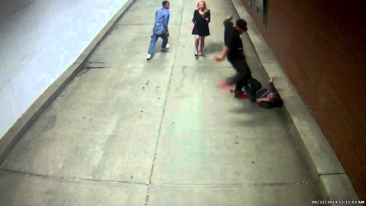 Caught On Camera A Group Of Black Teens Jump A White Couple Police