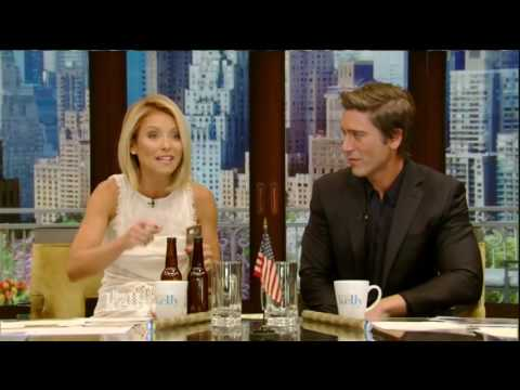 Live! With Kelly co host David Muir 5/19/16 Julianne Moore; Rose Byrne (May 19, 2016)