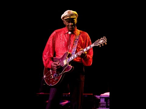 Chuck Berry RIP*Roll Over Beethoven*Lyrics*LIVE