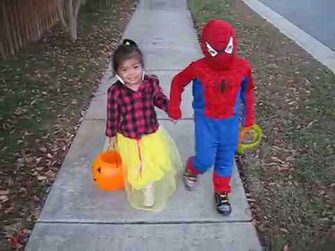 Halloween Costumes for Kids with Madison & Ethan: Trick or Treat - Classic Spiderman & Snow White