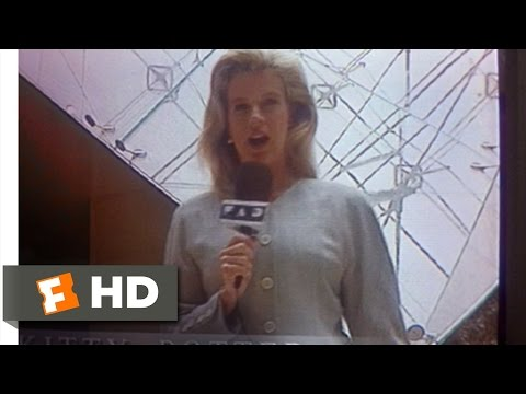 Ready to Wear (1/10) Movie CLIP - Kitty Potter On The Scene (1994) HD