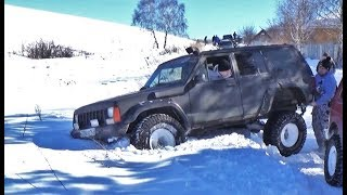 Маршрут не для слабаков, или стандарту тут не место.  Нивы и Jeep Cherokee.