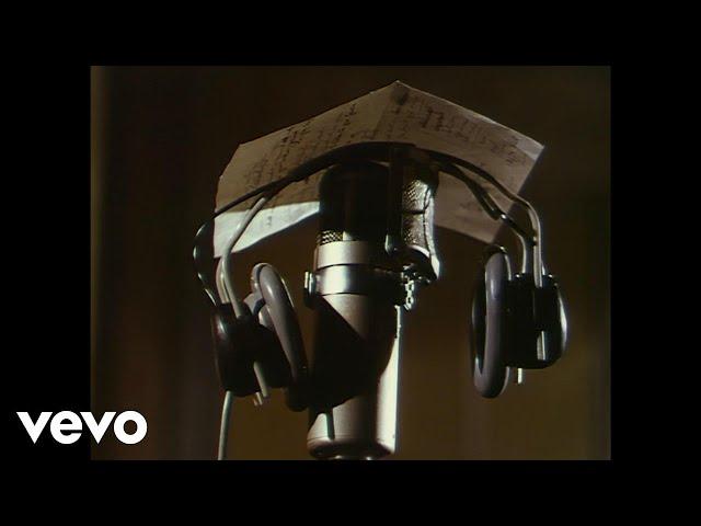 The Beatles - Hey Bulldog (Promo video)