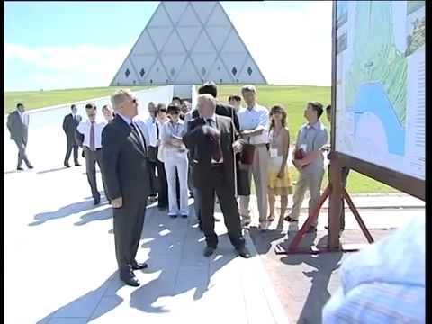 Kazakhstan President Takes Off His Jacket
