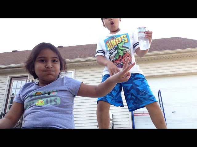 Water bottle challenge !!! Its doulp