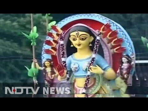 Grand Idols And Long Holiday, How Kolkata Celebrated Durga Puja, And After