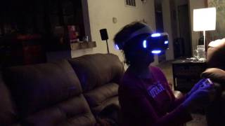 My Mom plays Kitchen Demo In VR (Resident Evil 7)