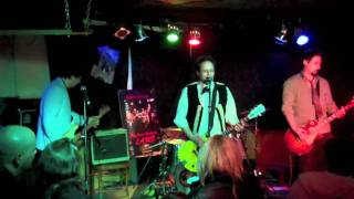 Baby Grant Johnson performs his tribute to Johnny Thunders as L.A.M...